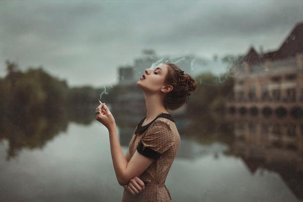 girlcigarette2